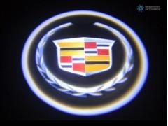 Подсветка дверей автомобиля: проекция логотипа Cadillac