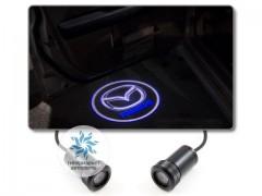 Подсветка дверей автомобиля: проекция логотипа Mazda