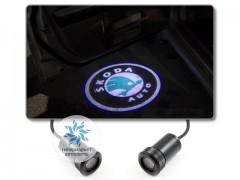 Подсветка дверей автомобиля: проекция логотипа Skoda