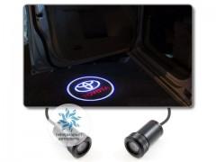 Подсветка дверей автомобиля: проекция логотипа Toyota