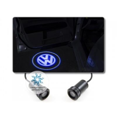 Подсветка дверей автомобиля: проекция логотипа Volkswagen