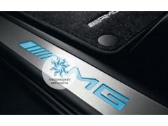 Накладки на пороги с подсветкой AMG